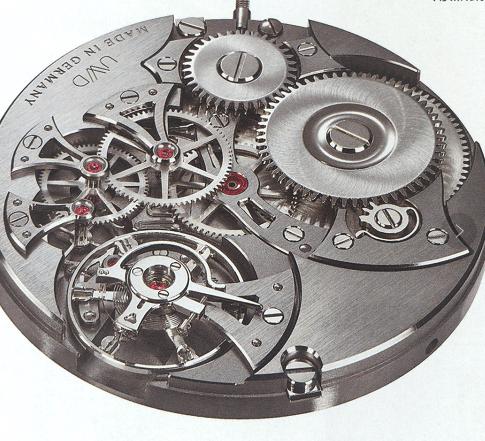 德累斯顿钟表厂由 Marco Lang发起创立