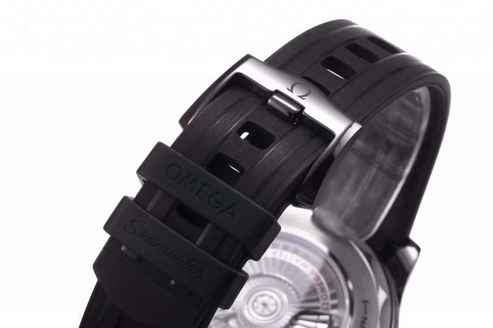 VS厂欧米茄海马300真陶瓷复刻表细节评测