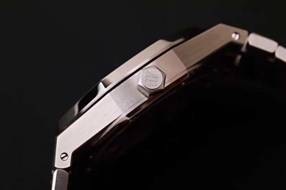 新品首发:R8厂爱彼皇家橡树离岸型超薄陀飞轮复刻表
