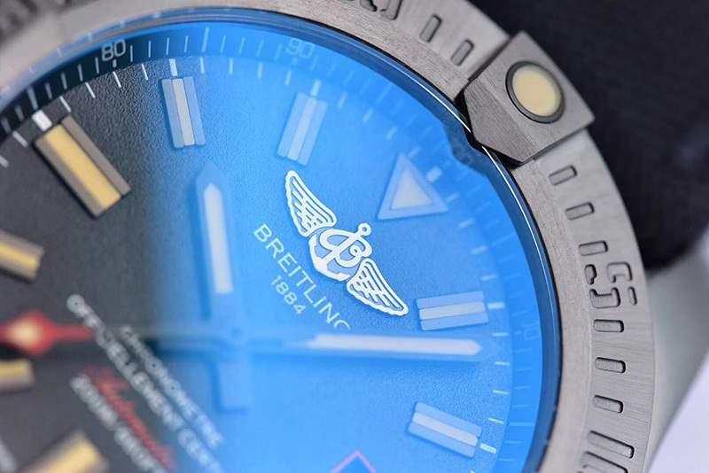 GF厂百年灵黑鸟侦察机复刻表做工「告别一眼假」值不值得入手-腕表公社