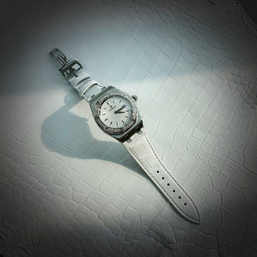 """爱彼皇家橡树系列型号67601石英腕表(白)-送给女神的""""七夕""""礼物"""