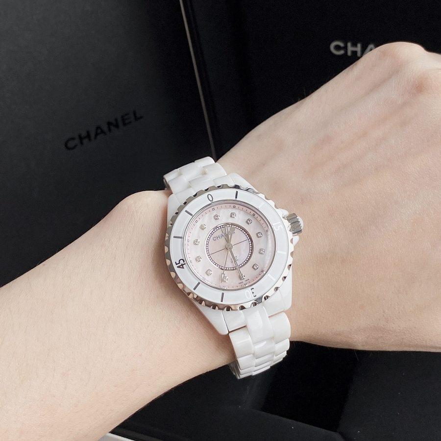 原厂渠道CHANEL香奈儿J12镶钻白色女装腕表赏析